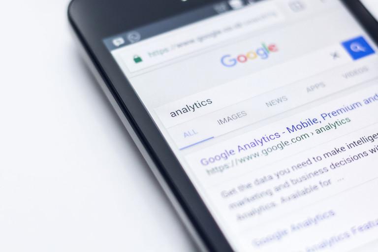 Pencarian produk Anda melalui Google